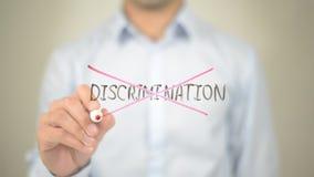 Ingen diskriminering, manhandstil på den genomskinliga skärmen arkivbild