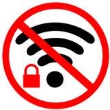 Ingen säker Wifi anslutning förbud av det unsecure trådlösa internettecknet Rött förbudvarningsvägmärke på vit Arkivbild