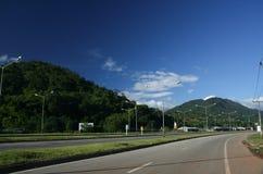 Ingen sikt av huvudvägvägen 118 från Chiangmai till Chiangrai Arkivfoto