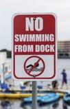 Ingen simning från skeppsdockatecken arkivbild