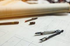 Ingeniería y herramientas de dibujo imagen de archivo libre de regalías