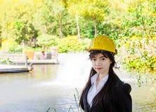 Ingeniero asiático de la mujer fotografía de archivo libre de regalías