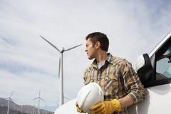 Ingeniero At Wind Farm Fotografía de archivo libre de regalías