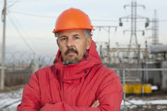Ingenieur bij Elektrohulpkantoor De elektromachtsindustrie Royalty-vrije Stock Afbeeldingen
