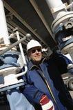 Ingenieur bij olie en gasdepot Stock Foto
