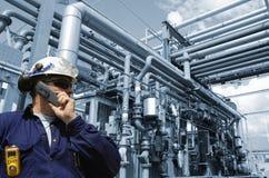 Ingenieur und Rohrleitungen Stockbild