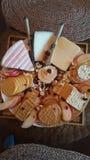 Ingenting om en bra cheeseplate på tacksägelse Fotografering för Bildbyråer