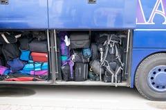 Ingepakte bagagebus stock foto's