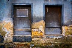 Ingescheepte vensters Stock Foto's