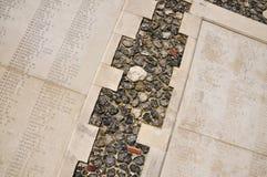 Ingeschreven namen; Tyne Cot Cemetery en Gedenkteken royalty-vrije stock foto
