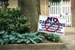 Inget delta i en kampanj som är tillåtet här royaltyfria foton