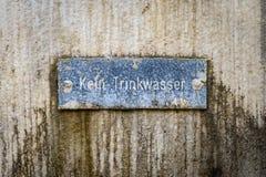 inget dricksvatten undertecknar in tyskt språk fotografering för bildbyråer