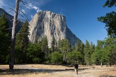 Inget för högväxt berg att erövra inspirerande Fotografering för Bildbyråer