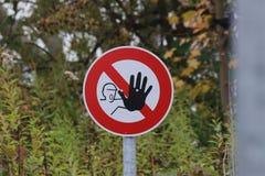 inget inkräkta för tecken Fotografering för Bildbyråer