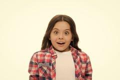 inget långt Ungen bedövad förkrossad sinnesrörelse kan inte tro henne ögon Barnet förvånade den chockade framsidan isolerad vit b arkivbilder