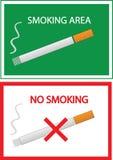 Inget - röka och röka områdestecknet Arkivfoto