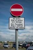 Inget tillträdestecken med walesisk text Royaltyfria Foton