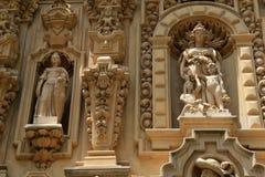 Ingewikkeld detail in historische gravure van gebouwen door Balboapark, San Diego, Californië, 2016 royalty-vrije stock foto's