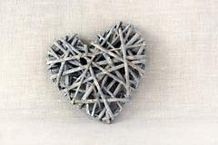Ingewikkeld houten hart Royalty-vrije Stock Foto's