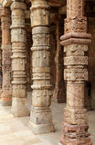 Ingewikkeld ontwerp in Qutub complexe Minar royalty-vrije stock fotografie