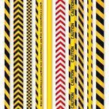 Ingiallisca con nastri adesivi neri della linea e del pericolo di polizia Fotografie Stock Libere da Diritti