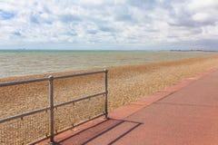 inglés de la opinión de la playa, rocas Imagenes de archivo