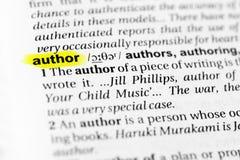 ` Inglês destacado do autor do ` da palavra e sua definição no dicionário fotos de stock