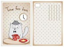 Inglese divertente del gatto che beve tè caldo Immagine Stock