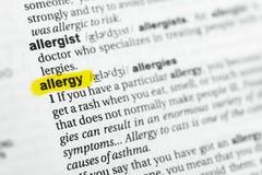 ` Inglese evidenziato di allergia del ` di parola e la sua definizione al dizionario Fotografia Stock Libera da Diritti