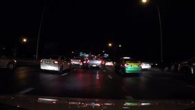 ingorgo stradale 4K che guida per ora di punta in città video d archivio
