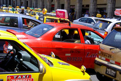 Ingorgo stradale nel cuore la città di Arequipa Immagine Stock Libera da Diritti