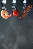 Ingrédients de barbecue d'été sur une fourchette Image stock