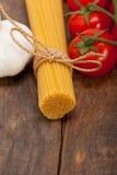 Ingrédients de base italiens de pâtes Photos libres de droits