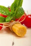 Ingrédients de base italiens de pâtes Photos stock