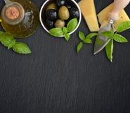 Ingrédients de cuisine italienne photos stock