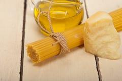 Ingrédients de nourriture de base de pâtes italiennes Images libres de droits