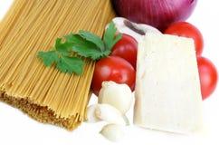 Ingrédients de pâtes et de sauce Photo stock