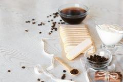 Ingrédients de tiramisu pour préparer le gâteau Vue supérieure avec l'espace de copie photo libre de droits