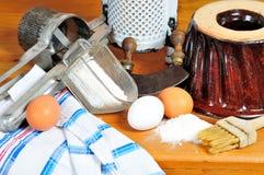 Ingrédients de traitement au four de cuisine Photos stock