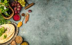 Ingrédients du Moyen-Orient ou arabes de tradition photo stock