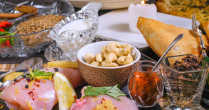 Ingrédients et épices indiennes pour le masala de tikka de poulet Photos stock