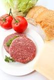 Ingrédients frais d'hamburger Photos stock