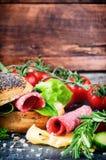 Ingrédients frais pour le sandwich sain Photos stock