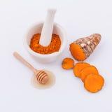 Ingrédients naturels safran des indes et miel de station thermale Photo stock