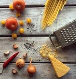 Ingrédients pour des pâtes Photos libres de droits
