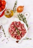 Ingrédients pour faire cuire des coeurs de poulet avec le potiron et les tomates en sauce tomate Images stock