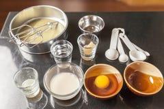Ingrédients pour faire le gâteau d'ouate Photo libre de droits