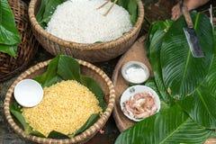 Ingrédients pour inciter Chung à durcir, la nourriture lunaire traditionnelle vietnamienne de nouvelle année Photographie stock