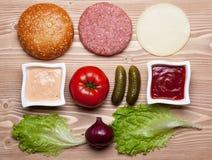 Ingrédients pour l'hamburger Photo stock