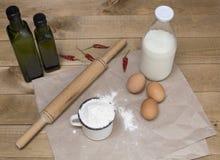 Ingrédients pour la nourriture de cuisson Photographie stock libre de droits
